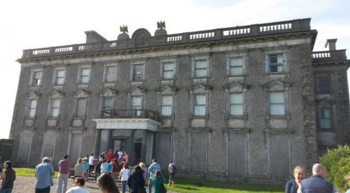 Loftus Hall ghost girls